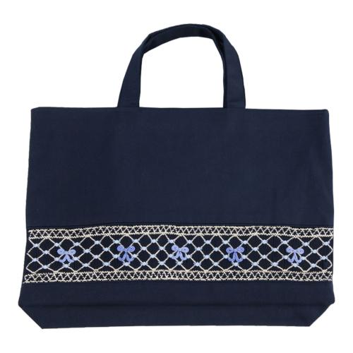 【手刺繍スモッキング】【リボン柄ブルーB】紺色布製:レッスンバッグ