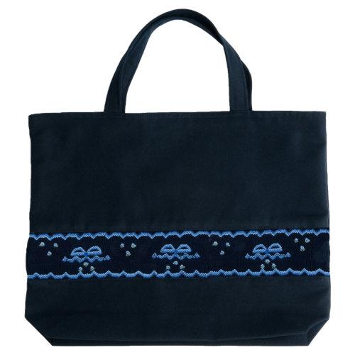 【手刺繍スモッキング】【リボン柄ブルーA】紺色布製:レッスンバッグ